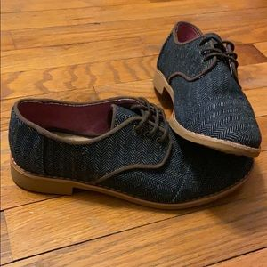 Tom's denim/herringbone detail shoes.